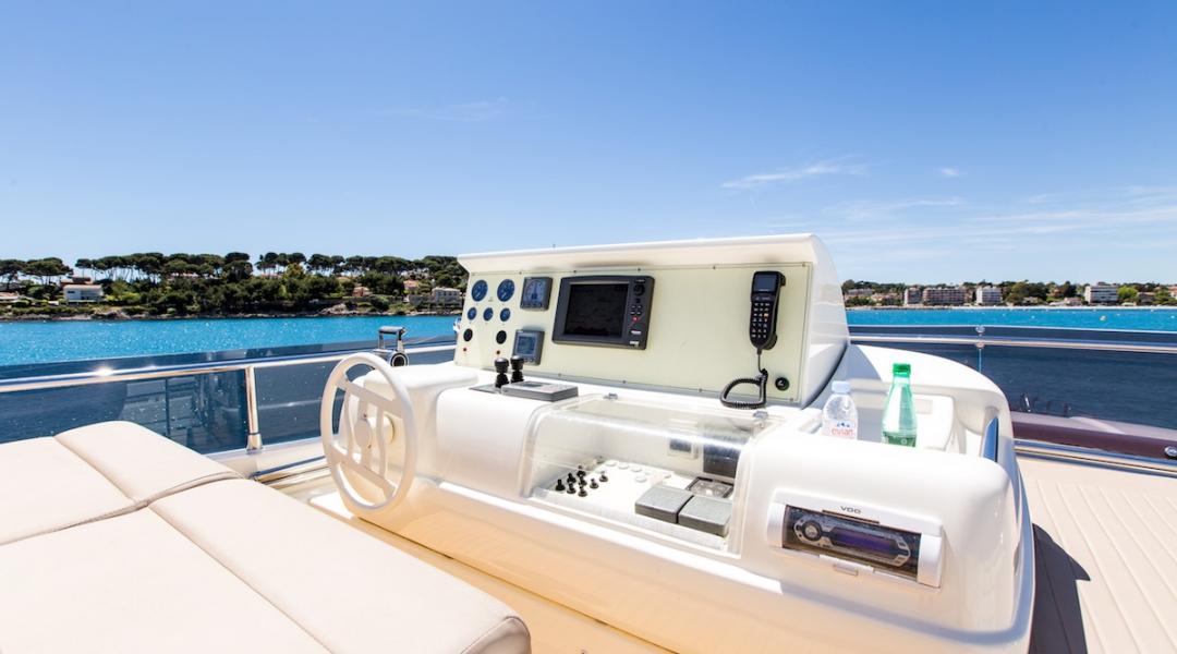 Motor Yacht in Greece Piola_11